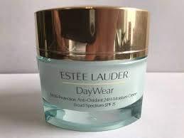 Estée Lauder-Skin Essentials Daywear SPF 15-Crema