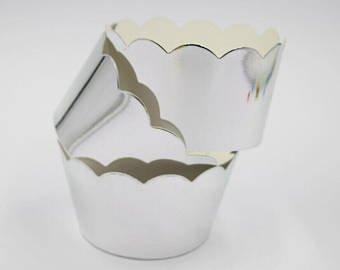 12 Silber Glänzende Cupcake Wrapper aus Silberner Chrom Spiegel Folie