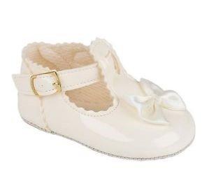 baby-pram-schuhe-fur-eine-hochzeit-taufe-oder-party-ivory-patent-uk-grosse-3-12-18-monate-
