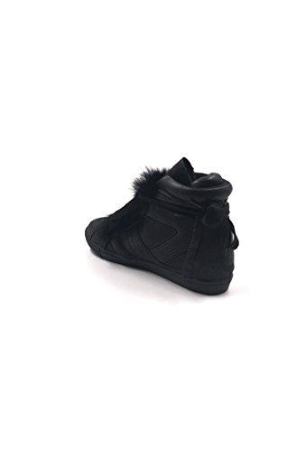 CHIC NANA . Chaussure Mode Baskets femme style similicuir métalisé. Noir