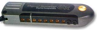 8-fach SLX Gold Signalverstärker - SLX Gold Antennensignalverstärker zum Verbessern der Bild- und Tonqualität durch Verstärkung von schwachen UHF, UKW, DAB und FM-Radiosignalen. Kann auch verwendet werden zum Senden von VCR, Digital TV und Sky/Sky+ Signalen ohne Empfangsverlust. Gleichmäßiger Amplitudengang über den gesamten Frequenzbereich für einen optimalen digitalen Empfang