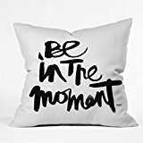 Home Decoration be in The Moment Throw Pillow Cover Square Pillow Case Cushion Cover 18 x 18 Pouces