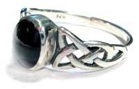 Celtic Silber Onyx Schwarz Kristall Ring mit Triqueta Knoten an Den Schultern (Knoten Schulter)
