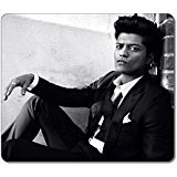 Customized Rectangle Non-Slip Rubber Large Mousepad Bruno Mars Pop Singer Fashion Gaming Mouse Pad Large Mousepad Gaming Pad Large Mouse Pads