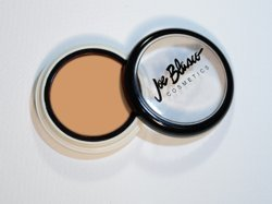 joe-blasco-ultrabase-foundation-ultra-fair-by-joe-blasco