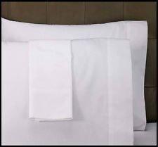 Bertha Hogar Funda de Almohada Blanca 50% algodón Disponible para Cama de 135 y de 150 cm....
