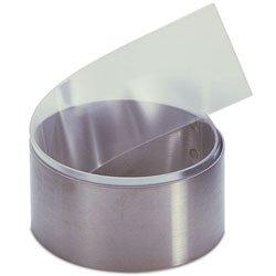 Este rollo de acetato apto para alimentos es el accesorio de patissier definitivo. Forma la hoja de acetato en cilindros, y fije en forma con una pequeña pieza de cinta, y cilindros de tuberías para colocar en el congelador. o extender un poco de cho...