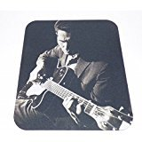 chet-atkins-his-guitar-computer-mouse-pad-2