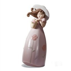 Lladr? Little Rose Figurine by Lladro