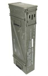 Grande et compacte original utilisé munitions de l'armée américaine pour 200 x 7.62 Boîte métal Mun Boîte à boîte en métal