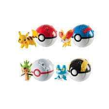Nettay shop Pokemon Ball Throw N' Catch Poke Ball Gift Toys with Miniature Figures Random, 3.2