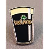 Pin de metal esmaltado con diseño de una cerveza irlandesa