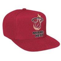 Mitchell & Ness Miami Heat Herren Basic Logo Snapback Hat, Herren, Rot, Einheitsgröße