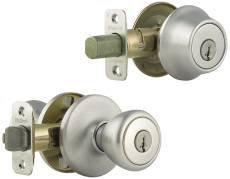 Kwikset 690T 26D SMT RCAL RCS 690 Tylo Keyed Entry Knob And Single Cylinder Deadbolt Combo Pack Featuring Smart Key, Satin Chrome by Kwikset - Smart-key-combo