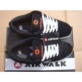 brand-new-casual-leather-airwalk-chadwick-black-white-trainers-uk-7