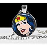 Wonder Woman Collier Bijoux Collier Wearable Art Pendentif charm Comic Furry