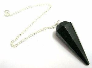 Potente negro cristal de turmalina...