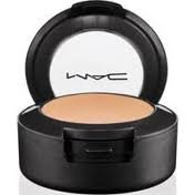MAC Studio Finish Concealer spf 35 NC20 by M.A.C