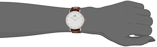 Daniel Wellington Classy Women Quartz Watch with Analog Display and Brown Leather Strap – DW00100075