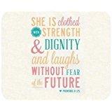 Generic Mauspad christlichen Bibel Vers Zitate Sie ist bekleidet mit Kraft & die Würde und lacht, ohne Angst vor der Zukunft. Sprüche 31: 25Design Tuch Abdeckung Rechteck Gaming Mauspad Matte 25x 20cm