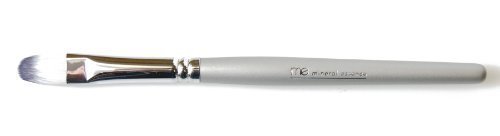 Mineral Essence Concealer Brush 1 piece by Mineral Essence (Essence Mineral Concealer)