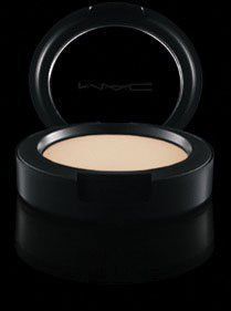 Mac Cream Colour Base (MAC Cream Colour Base Pearl by M.A.C)