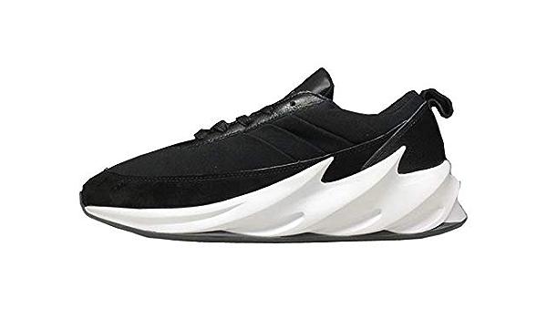 notificación en progreso Cabeza  Buy YEEZY BOOST Shark Black Sneakers at Amazon.in