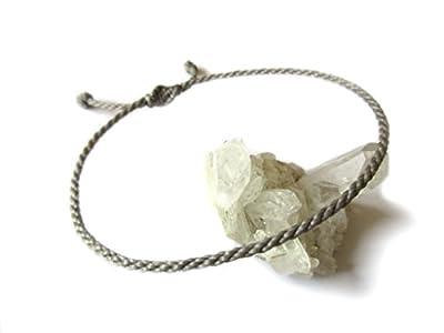Bracelet corde/fil Gris. Simple/Unisexe/Porte chance/Brésilien. Fait et tressé main avec du fil ciré et ajustable avec nœud coulissant. Réf.#5