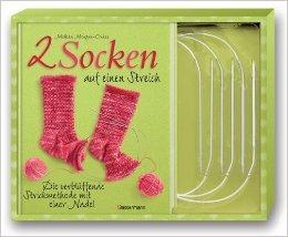 Zwei Socken auf einen Streich-Set: Die verblüffende Strickmethode mit einer Nadel. Buch und 3 Rundstricknadeln von Melissa Morgan-Oakes ( 22. Dezember 2010 )