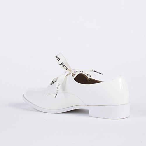 Ideal Shoes Derbies Vernis avec Lacets Ruban Amana Blanc