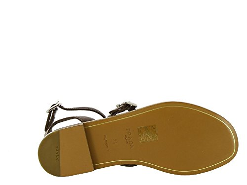 Spartiates plates Prada femme en cuir marron - Code modèle: 1Y905E 248 F0562 Marron