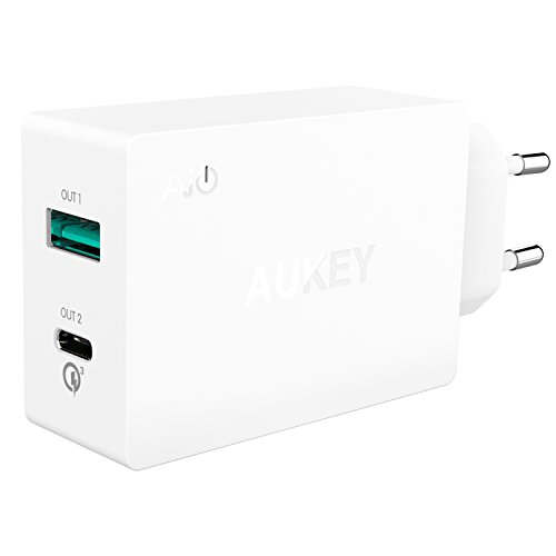 AUKEY Quick Charge 3.0 Type C Cargador de Red Puerto dual para LG G5, HTC 10, Nexus 6P, Oneplus; Incluido un Cable USB C de 1m (Blanco)