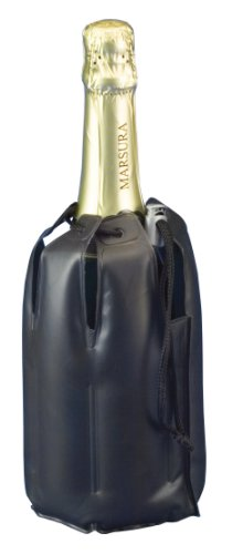 Fijo, adaptable a botellas de 0,70 a 1lts. Medidas: 13 (diámetro) x 21 cm.