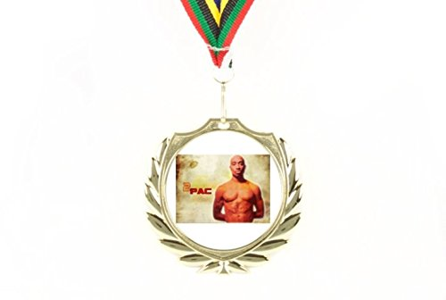 c Shakur Topless Thug Life Glory weiß Digital hellen Hintergrund Hip Hop Rap Surprise A Winner Olympischen Farbe Fans Zum Sammeln tragbar & Wand m. Aufhänger gold medal ()