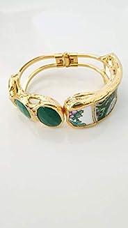 Bracciale placcato oro con porcellana di Limoges e giade.