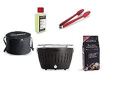 LotusGrill Starter-Set 1x Grill Anthrazitgrau mit USB-Anschluß, 1x Buchenholzkohle 1kg, 1x Brennpaste 200ml, 1x Würstchenzange Feuerrot, 1x Transport-Tragetasche - der raucharme Holzkohlegrill