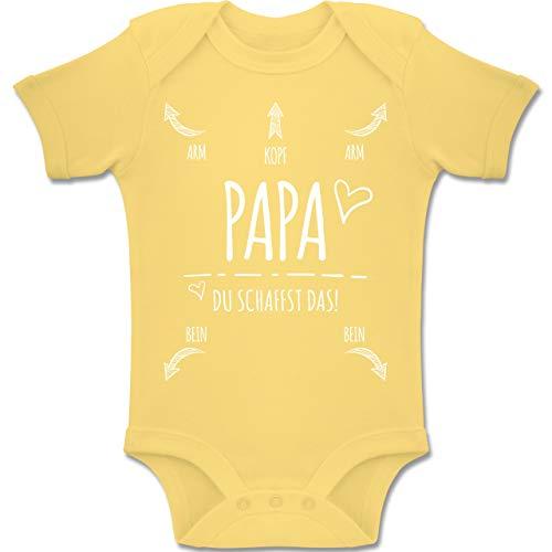 Shirtracer Strampler Motive - Papa Du Schaffst das Herz - 1-3 Monate - Hellgelb - BZ10 - Baby Body Kurzarm Jungen Mädchen