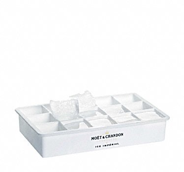 moet-chandon-ice-imperial-a-glacons-champagne-glacons-ice-cube-tray-mold-maker-forme-de-recipient-ch