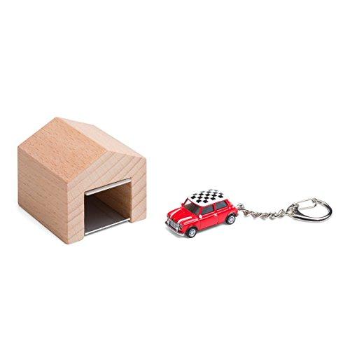 garage-pour-le-mur-avec-porte-cles-de-cle-mini-cooper-checker-rouge-le-design-board-en-bois-de-hetre