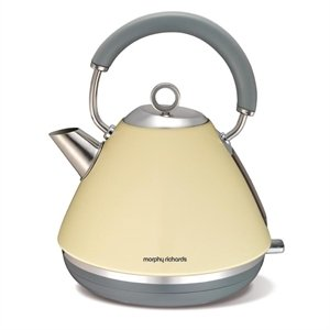 Morphy Richards Accents Traditional Kettle Cream Dimensions: 273(H)x 220(W)x 220(D)mm. Capacity 1.5Ltr