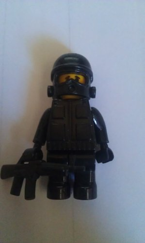 sas-man-building-toy-army-construction-toy-soldier