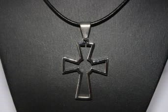 Für Damen oder Herren Unisex Edelstahl Kreuz Keltischer Anhänger auf Halskette Kordel 45,7cm Fashion - Celtic Schmuck Womens