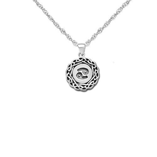 Silber überzogener traditioneller keltischer Tierkreis-Halsketten-Anhänger mit dem Tierkreiszeichen-Krebs - schließt 18