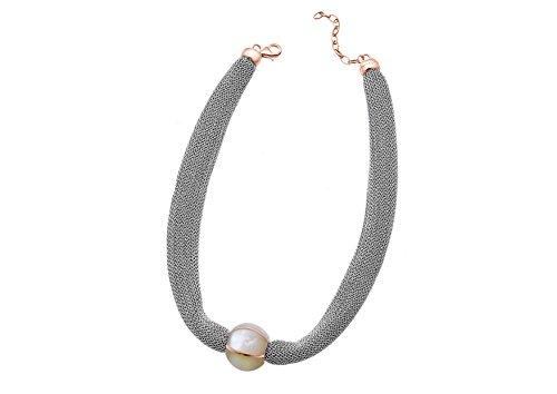 Adami e Martucci, in rete argento placcato oro rosa con madreperla collana