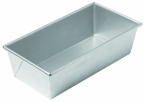 Chicago Metallic Commercial II Traditional Uncoated 1-1/2-Pound Loaf Pan by CHICAGO METALLIC 1.5 Lb Loaf Pan