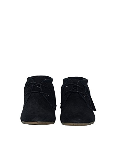 Maruti Women's Mimosa Women's Black Ankle Moccasin Boots Suede Black