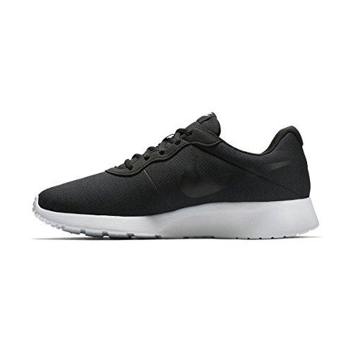 Nike Tanjun, Scarpe da Corsa Uomo Nero