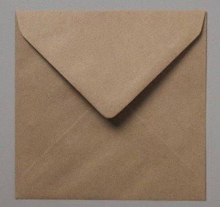 lot-de-100-enveloppes-carrees-en-papier-kraft-recycle-marron-mouchete-155-cm