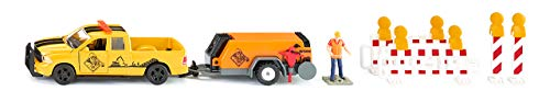 SIKU 3505, RAM 1500 Pick-up mit Kompressoranhänger, Schranken und Figur, 1:50, Metall/Kunststoff, Gelb/Orange, Inkl. Spielfigur und Absperrungen -