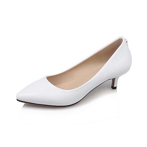 AllhqFashion Damen Eingelegt Pu Leder Mittler Absatz Ziehen Auf Pumps Schuhe Weiß